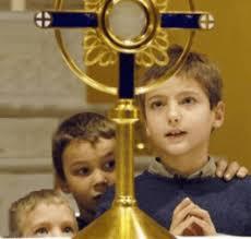 enfants-adorateurs – Paroisses saint martin de montaigu et notre dame des trois provinces